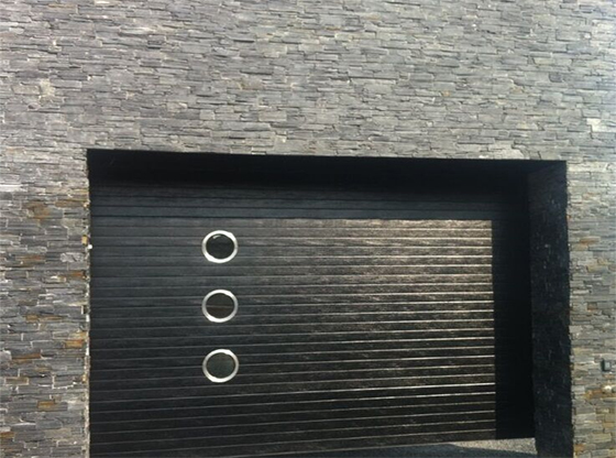 Black ribbed Insulated ThermAdor with porthole windows